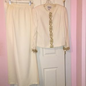 Petite Sophisticate Collection Size 14 Skirt Suit